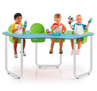 Collective table for 4 babies