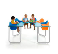 Collective table for 8 babies