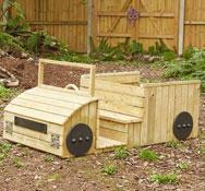 Camión de madera para exterior