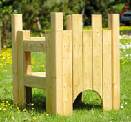 Castillo encantado de madera aire libre