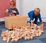 Bloques de construcción de madera en un baúl Pack de 224 unidades