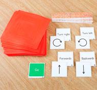 Juego de tarjetas y alfombrilla para introducción temprana a la codificación física Pack de 116 unidades