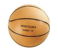 Balón de baloncesto diseñado ecológicamente la unidad